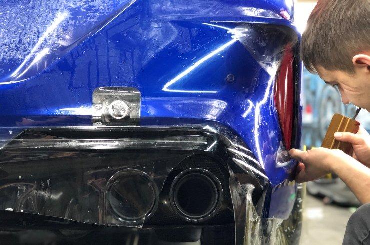 Оклейка автомобиля BMW M8